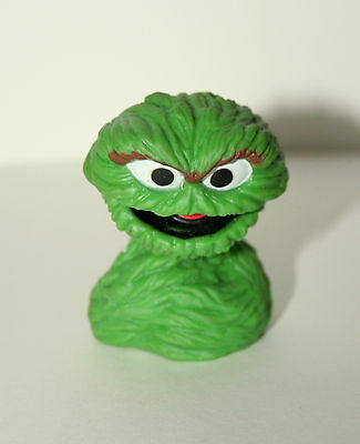 Vintage Sesame Street Oscar the Grouch Finger Puppet Figure PVC NEW NOS