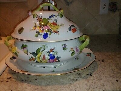 Herend Fruits & Flowers Large Tureen with amazing artistry and brilliant paint