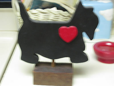 Chunky Wooden Scottie Dog with a Heart!