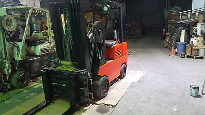 Hyster forklift triple mast with rotator