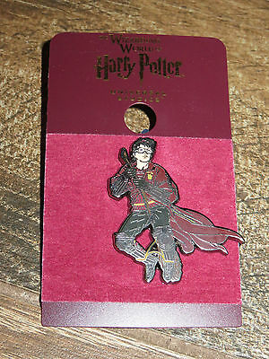 NEW Universal Wizarding World of Harry Potter Playing Quidditch on Broom Pin