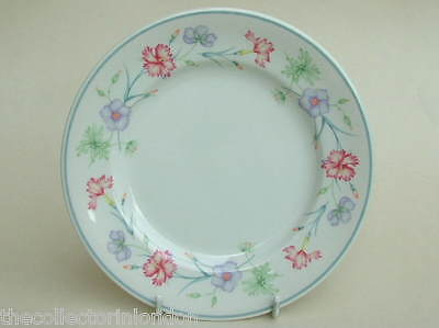 For Boots Carnation Pattern Large Size Dinner Plates 26.5cm Dia Look in VGC