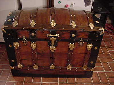 Ladycomet Refinished Victorian Dome Top Steamer Trunk Antique Chest w/Key & Tray