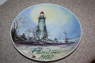 Smuckers Collectors Series 1992 Christmas Plate- Marblehead Point Lighthouse