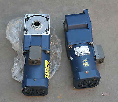 JSCC Automation Single Phase 1500 RPM Electric Motor and 30/1 Gear Box 100YS200G