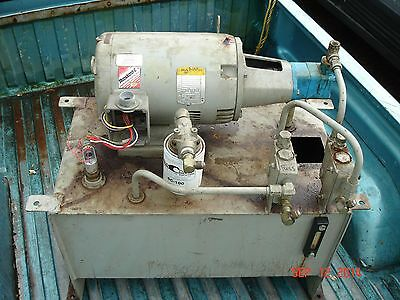 BALDOR CM33111  INDUSTRIAL MOTOR 3 Phase with Hydraulic Unit  1760 RPM  7.5HP