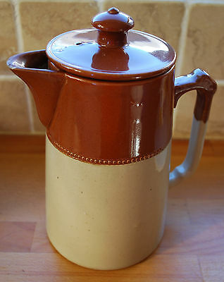 Stoneware Water Jug (with lid) 22.5cm