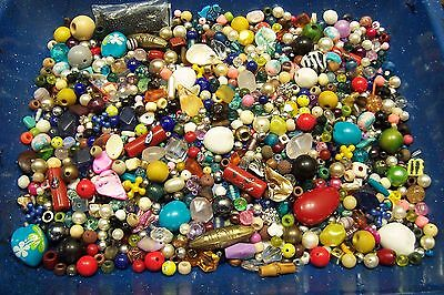 1 1/2 LBS MIXED VINTAGE TO NOW JUNK JEWELRY LOOSE CRAFT BEAD LOT 23