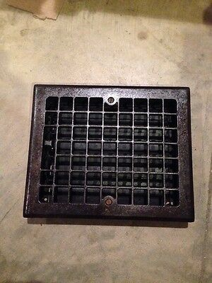 Gr 51 Square Design Antique Heating Grate Complete With Louvers