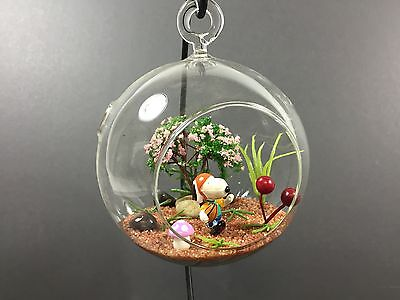 """Decorated Glass Terrarium - Snoopy - 4"""" ball with flat bottom or loop to hang"""