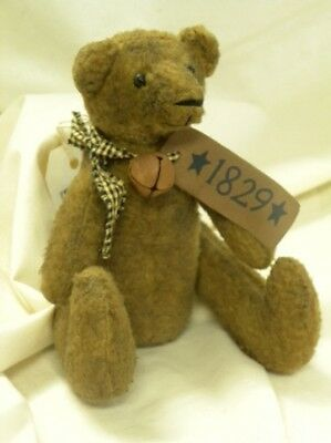 New 1829 PRIMITIVE GRUNGY BEAR Rusty Bell Star Sitting Stuffed Black Tan Country