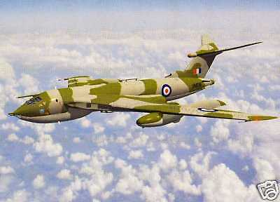 RAF VICTOR BOMBER --- AIRCRAFT PRINT BY PETER BRATT