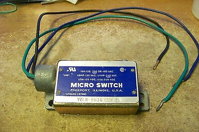 Micro Switch YZLN-RH3G Prewired Enclosed Switch Right Hand Actuator