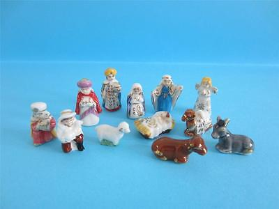 Amazing Miniature Porcelain Gold Trimmed Nativity Set With Box *popular*