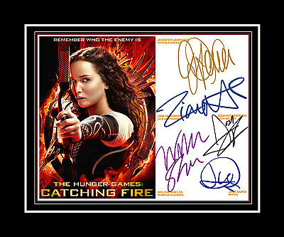 THE HUNGER GAMES :CATCHING FIRE Jennifer Lawrence + 4 Cast signed Matted print