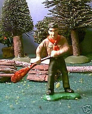 TOY SOLDIERS METAL NORTH AMERICAN BOY SCOUT HOLDING CANOE PADDLE 54MM