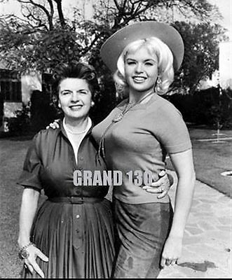 Celebrity Pictures - Jayne Mansfield & Mother 1967