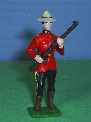 TOY SOLDIERS METAL ROYAL CANADIAN MOUNTED POLICE RCMP OFFICER WITH RIFLE 54mm