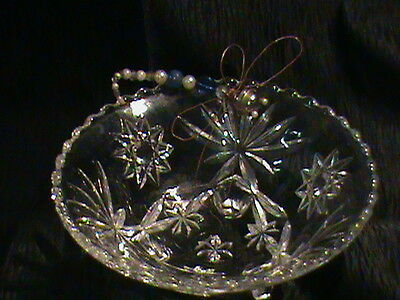 VINTAGE  PRECUT 3 FOOTED GLASS BOWL W/ SMALL SCALLOPED  RIM