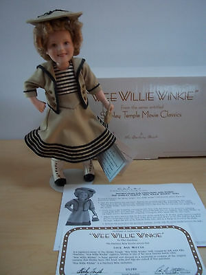 """Shirley Temple Wee Willie Winkie Doll by Danbury Mint 10"""" Porcelain - Excellent"""