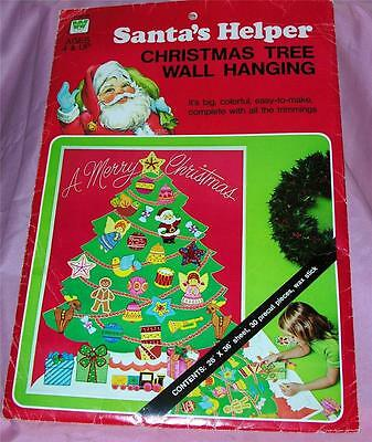 RARE VTG 1976 UNUSED WHITMANS SANTAS HELPER XMAS 26 x 36 WALL HANGING XMAS TREE