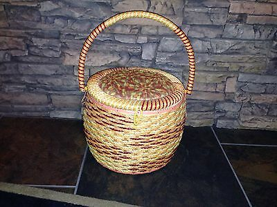 Vintage SINGER Woven Plastic Wicker Sewing Basket Box Case  Japan Satin Lined