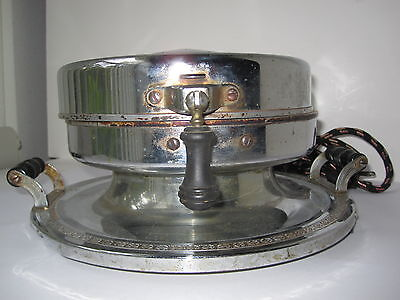 1923 Landers,Frary & Clark 7in. Waffle Iron, Attached Tray Black Handles