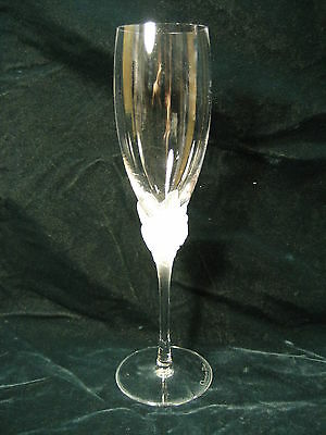 """Christian Dior """"Dior Rose"""" Fluted Champagne Glass Stemware Frosted Roses 50447"""