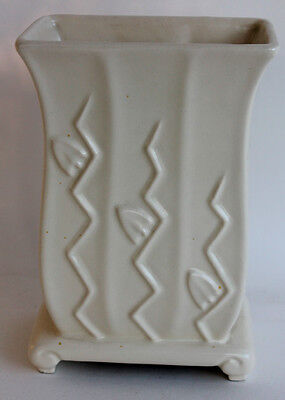 Rare Haeger Art Pottery VASE MUSIC BOX Plays Happy Birthday White