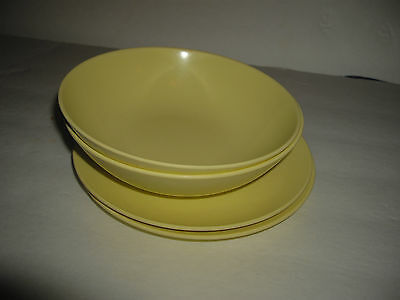 Texasware Melmac Melamine 2 small bowls and 2 small plates pale yellow