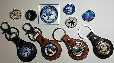 FRENCH POLICE & SECURITY SERVICE LEATHER KEY RINGS & GOLD & SILVER PLATED BADGES