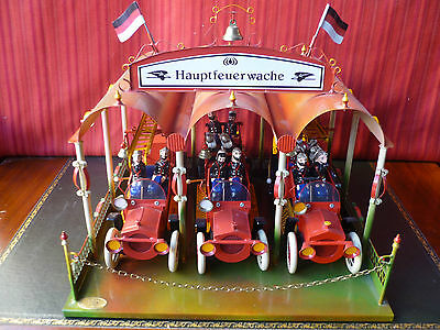 Superb TW Tucher & Walther Tin Wind-up Fire house w/ 3 Fire truck engine