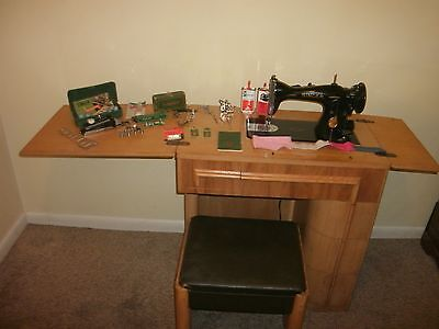 Vintage 1948 Heavy Duty Singer 15-91 Sewing Machine w/ Cabinet and Accessories