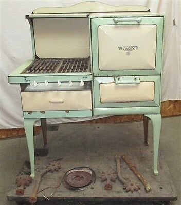 1930s Windsor Gas Stove Range Oven Montgomery Wards Green