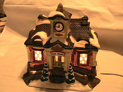 Train Station Lighted Ceramic Christmas Village House layout acessories