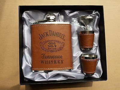 Jack Daniels 7oz Hip Flask Gift Set with 2x Shot Glasses and Funnel