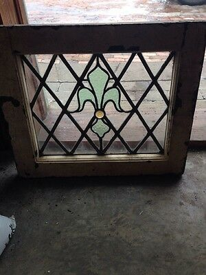 Sg 70 Antique Fluer De Lis Window With Jewel