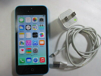 NICE 7+/10 Apple iPhone 5C 16GB UNKNOWN CARRIER CREDO? bundle w/USB & AC adapter