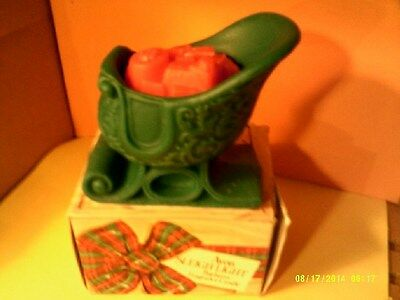 VINTAGE Avon SLEIGH LIGHT BAYBERRY Fragrance Candle-NEW IN BOX-FREE SHIPPING