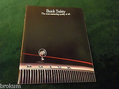 MINT BUICK QUALITY SAFETY /& SECURITY 1993 USA MARKET GLOSSY BROCHURE BOX 374