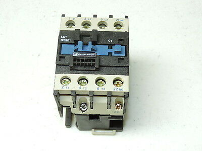 TELEMECANIQUE LC1-D2501 120V-AC 20KW 40A AMP AC CONTACTOR Relay