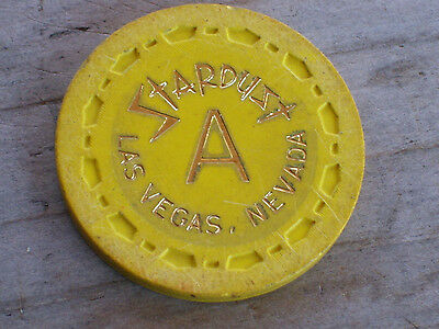 VINTAGE 5TH EDT. ROULETTE CHIP FROM THE STARDUST CASINO LAS VEGAS NV