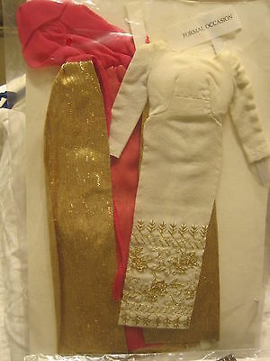 VINTAGE TAGGED BARBIE OUTFIT COMPLETE- FORMAL OCCASION #1697- NEAR MINT!