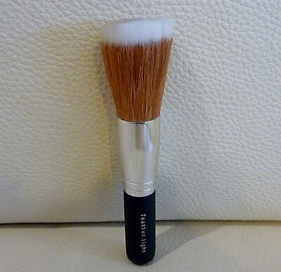 i.d. BARE ESCENTUALS bare Minerals Feather Light Brush, Brand NEW Sealed!