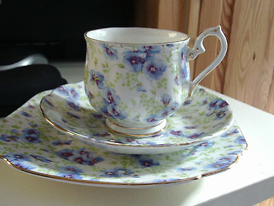 ROYAL ALBERT BONE  CHINA ART DECO TEA CUP SAUCER & SIDE PLATE PANSY DESIGN