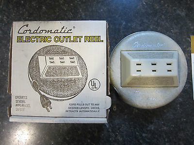 Vintage Cordomatic 20ft Power Outlet Reel Model 510