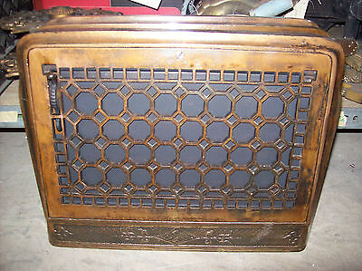 3 available honey comb style cross hatch heating grates (G 137)