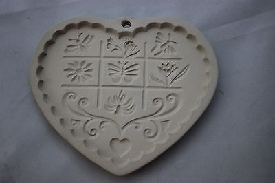 """1996 Pampered Chef """"Gardens Of The Heart"""" Clay Cookie Mold Never Used w/Box"""
