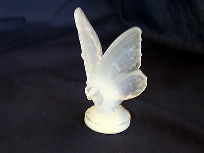 Old Sabino Glass Made in France 2-3/4in Oppalescent Art Glass Butterfly, Exclnt