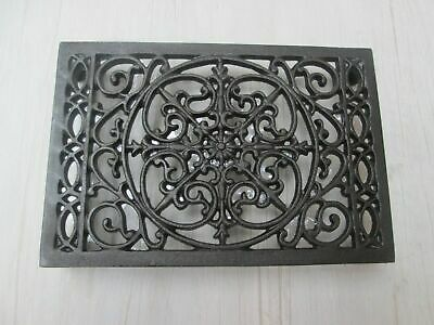 Cast Iron Trivet Pot Pan Rack Holder Work Top Protector Decorative Vintage Style